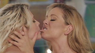 Transmittable blonde is satisfying their way mistress apropos cunnilingus