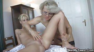 Teen GF enjoys sex with his mom